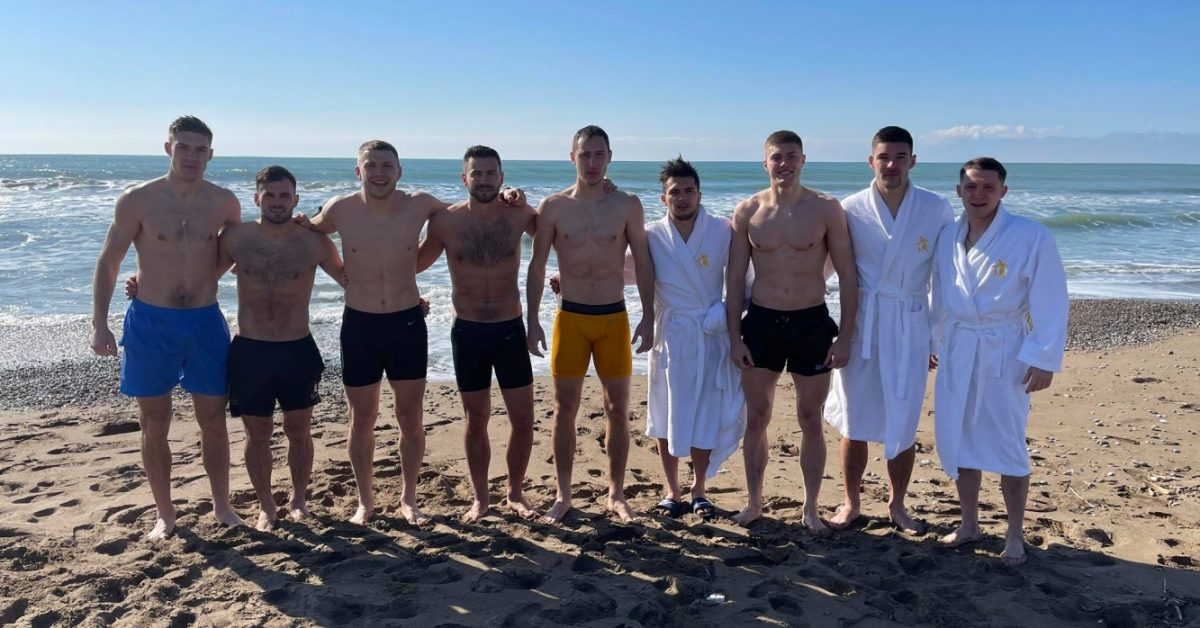 Как футболисты УПЛ отпраздновали Крещение в Турции - изображение 1